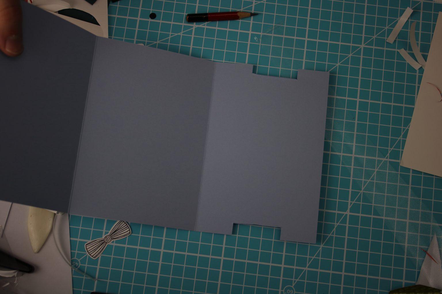 Wenn ihr wissen wollt wie hieraus dann die Mechanik für die Double Slider Card entsteht, lasst mir doch einen Kommentar unter dem Blog da.